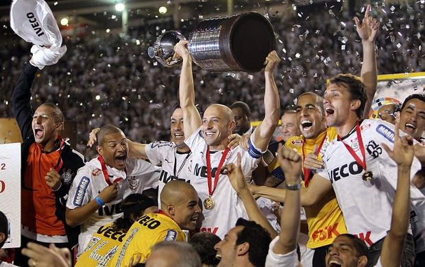 Corinthians wins the Copa Libertadores 2012