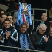 Mourinho lifts the cup