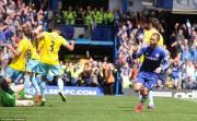 Eden Hazard wins the 2014 title with Chelsea.jpg (14)