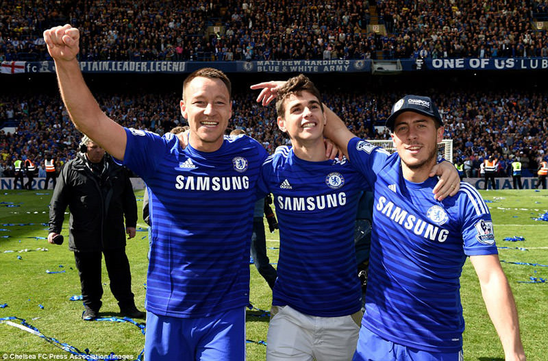 huge selection of 9b316 fb95e Eden Hazard wins the 2014 title with Chelsea.jpg (15) - Eden ...